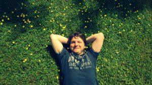 Ich, wie ich auf der Wiese liege und träume
