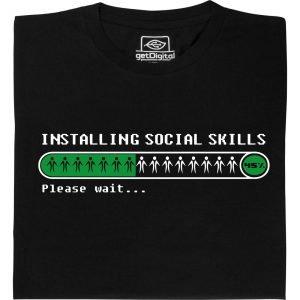 T-Shirt mit einem Ladebalken und der Aufschrift Installing social skills