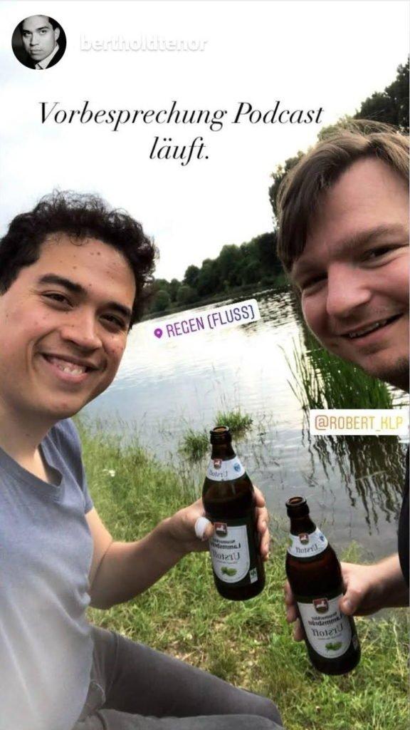Berthold und Robert bei der Podcastbesprechung
